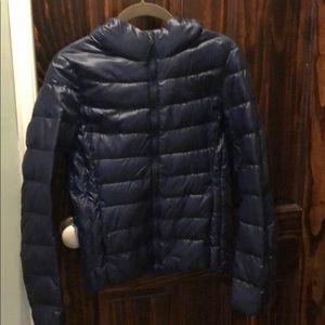 Uniqlo puffer jacket in dark blue